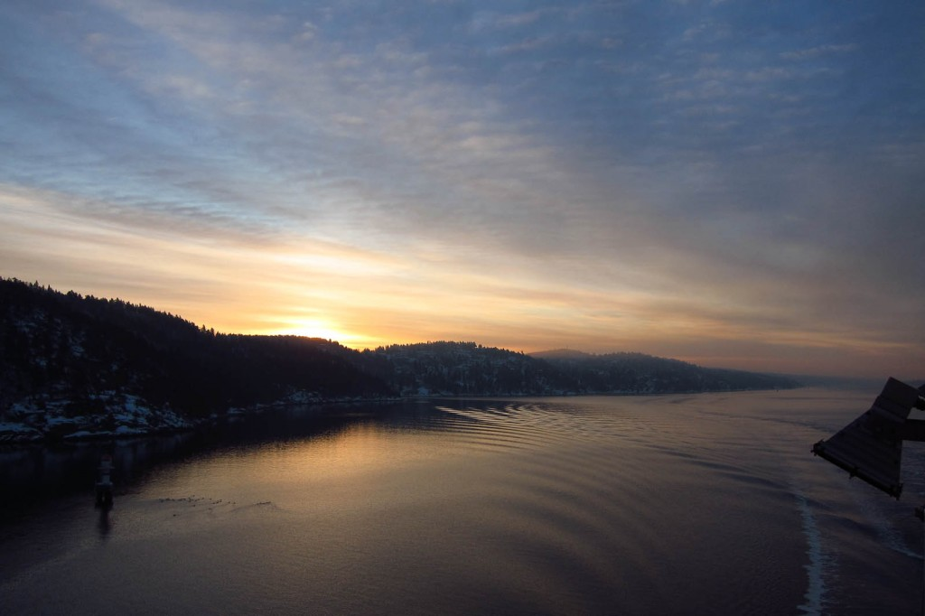 Sunrise going Oslo - before
