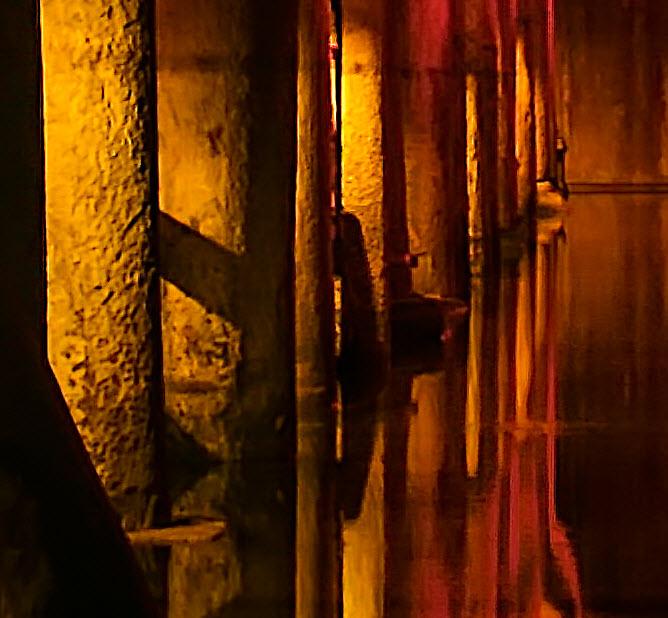 Basilica Cistern - 100% crop