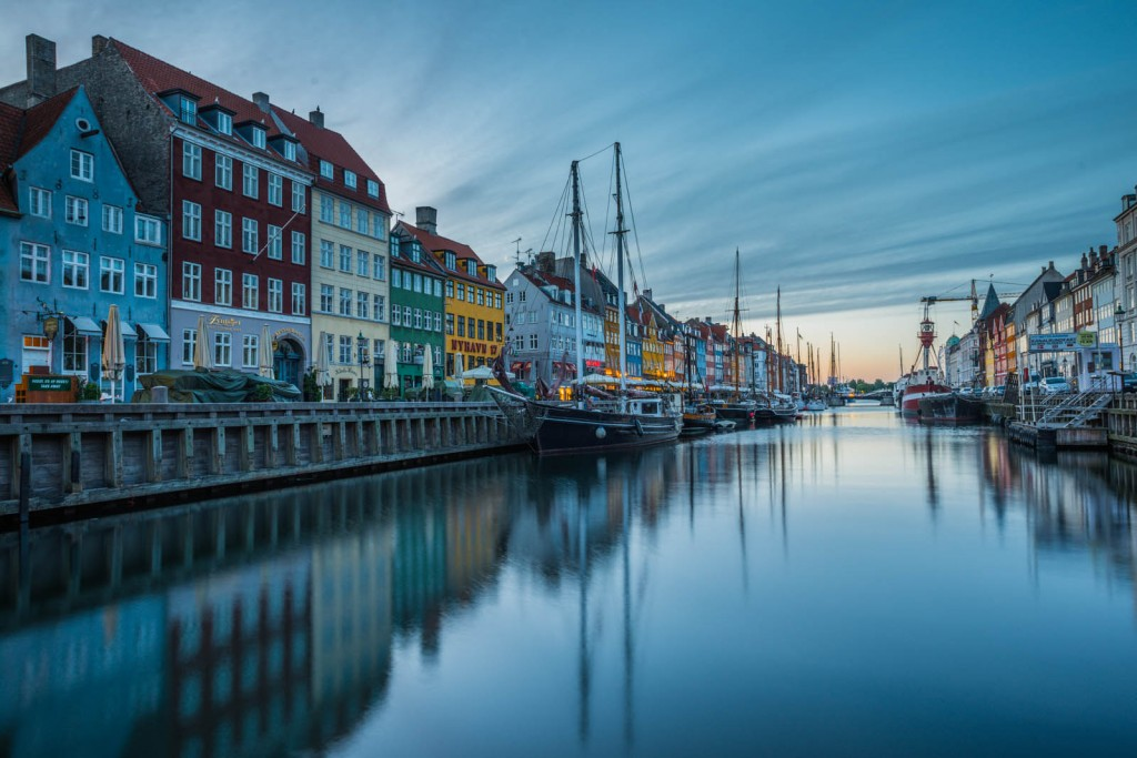 Nyhavn in the morning - before