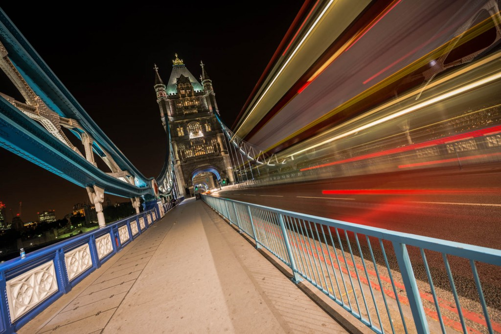 London Tower Bridge - The bus